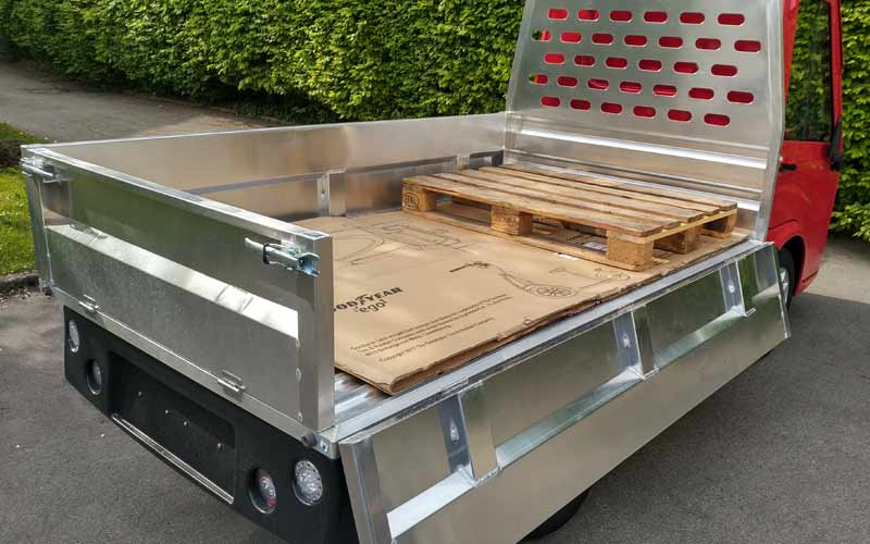 e-formica 500 Pritsche Heck